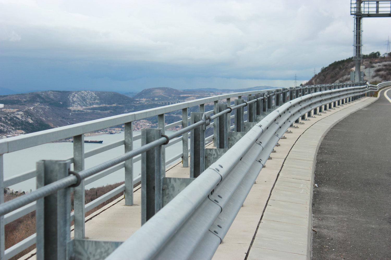 Zaštitna odbojna ograda na objektu