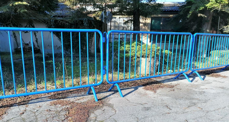 Ograda plava 1